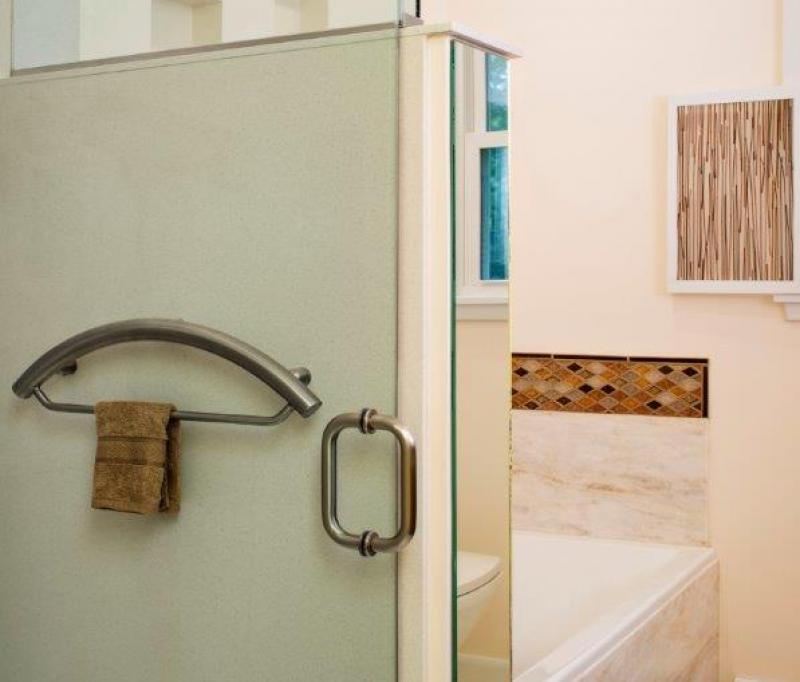 Invisia Towel Bar in White North Silestone Shower